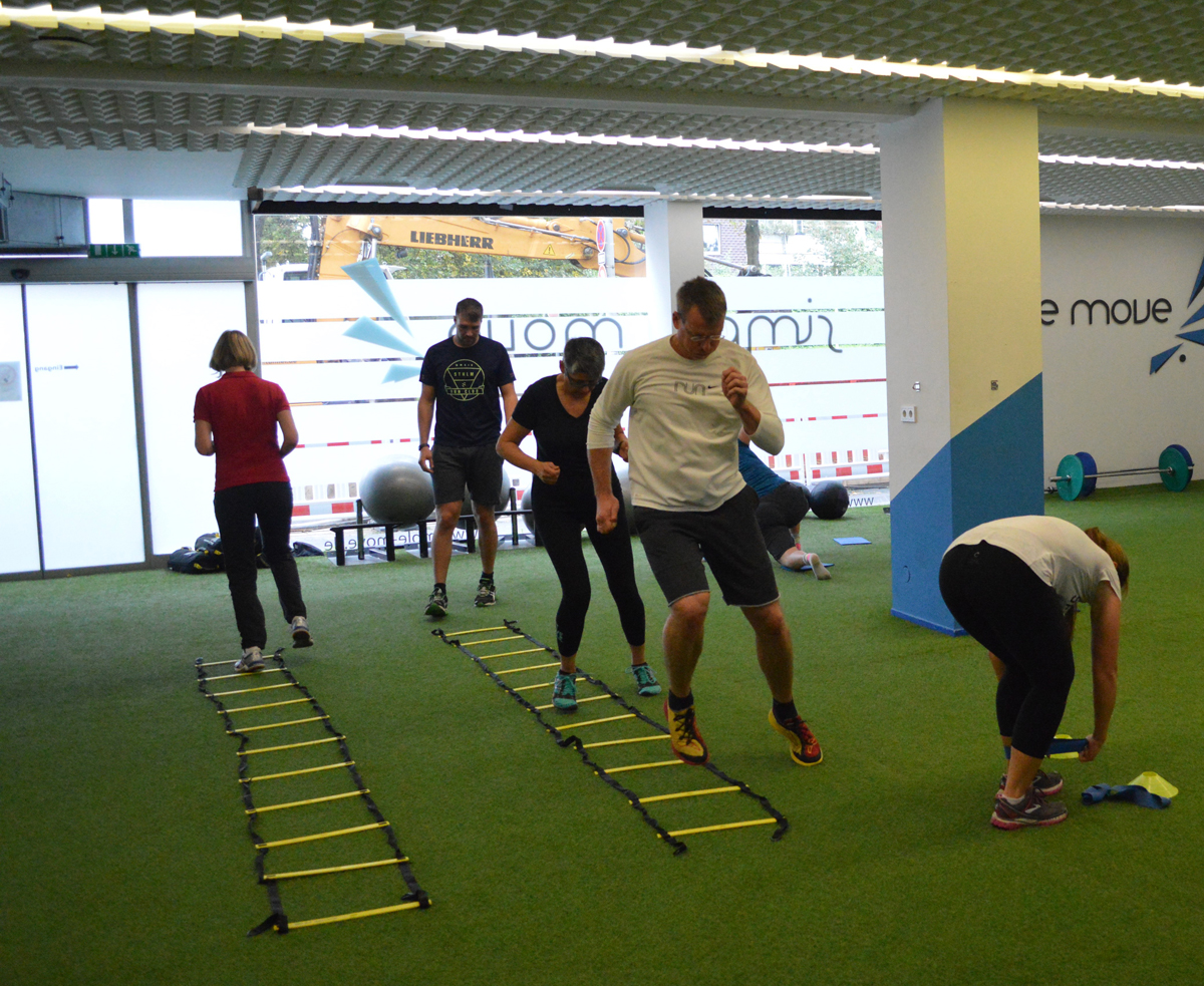 Indoor Bootcamp Fitness Bonn Gruppen Training Personal Simple Circuit